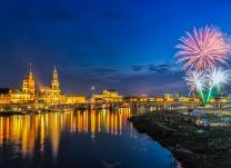 Elbeschifffahrt mit Feuerwerk in Dresden